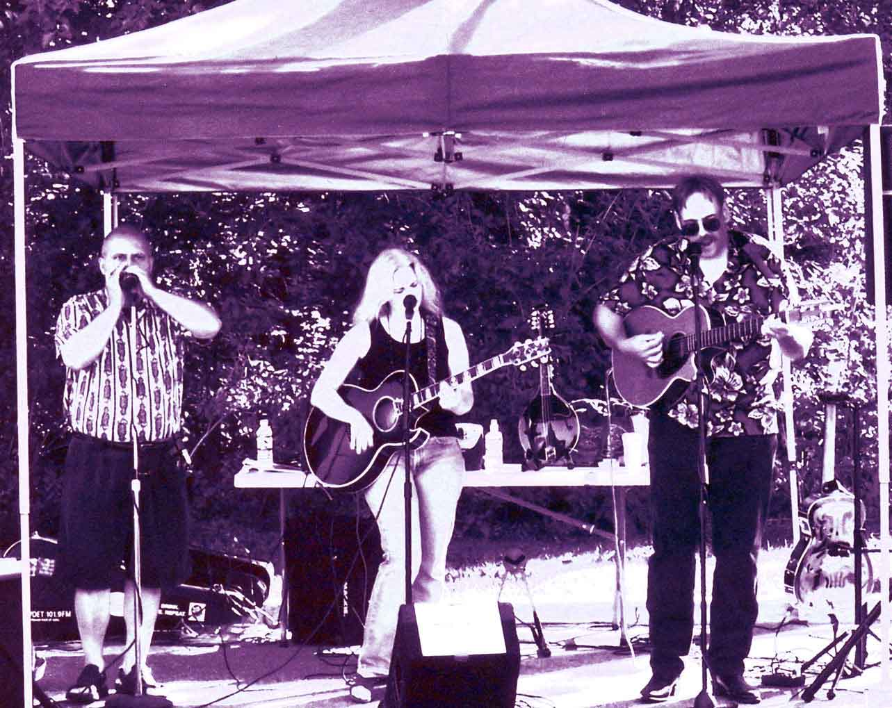 2005 - Maggie's Farm performing at the Birmingham Farmers Market
